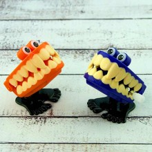 Заводные прыгающие зубы